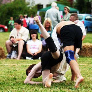 Hitting the ground in Cornish wrestling