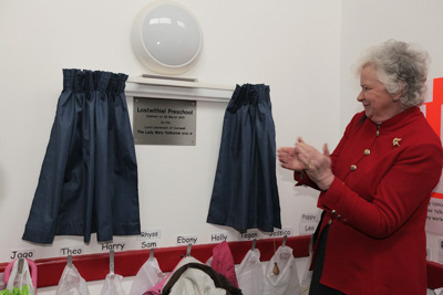 Lady Mary Holborow officially opens Lostwithiel Preschool